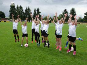 Tag des Mädchenfußballs beim FC Weiher / Sport-Lines Pokal der Juniorinnen
