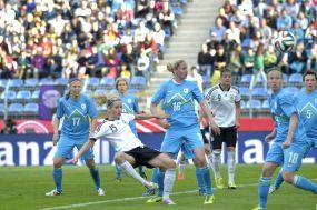 DFB-Frauen spielen in Sandhausen