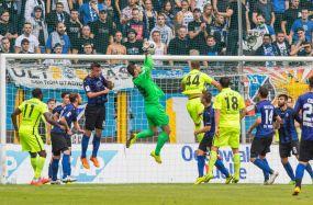Zweitligareife Kulisse - 3:1 Sieg des SV Waldhof gegen Saarbrücken - Kocak-Elf Spitzenreiter