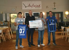 SV Waldhof übergibt 5.000 € Spendenscheck an Aufwind Mannheim e.V.