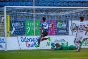 Souveräne Waldhöfer bezwingen den SV Elversberg in einseitigem Match mit 2:0 (2:0)