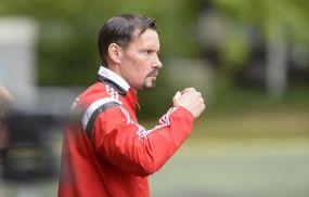 """""""Wir sind enttäuscht, jetzt gehts erst einmal um den Abstieg."""" RW Rheinau - Trainer Peter Brandenburger findet klare Worte."""
