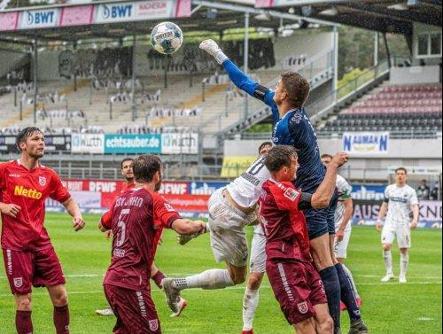 Der SV Sandhausen steht bei Jahn Regensburg auf dem Prüfstand