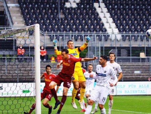 SV Sandhausen mit torlosem Remis gegen den SSV Jahn Regensburg