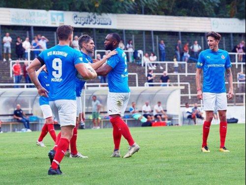 Sieg unter Flutlicht ++ Rasenspieler bezwingen FC Olympia Kirrlach mit 2:0